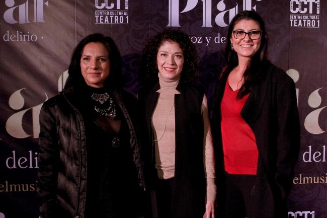 Alfombra roja de Piaf: voz y delirio