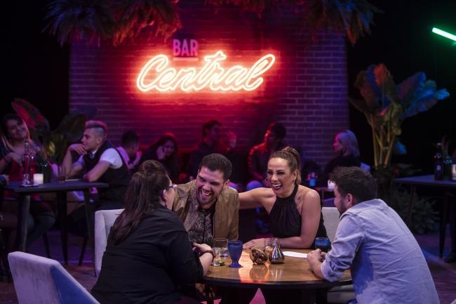 Consuelo Duval en Bar Central