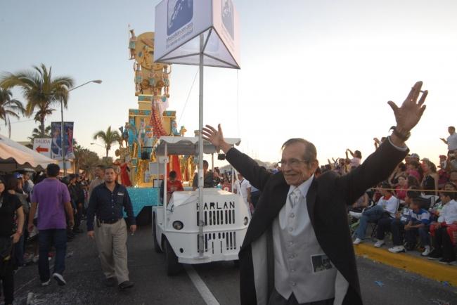 Cada carnaval de Mazatlán recuerda a Rigoberto Lewis