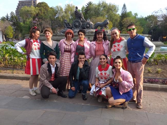 El elenco de Vaselina celebró el Día de San Valentín