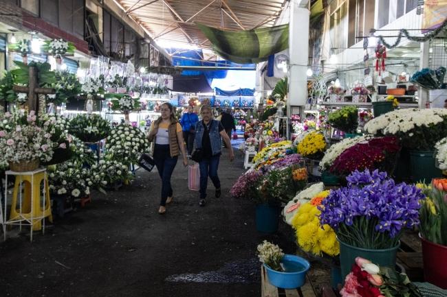 Mercados listos para el Día del Amor y la Amistad