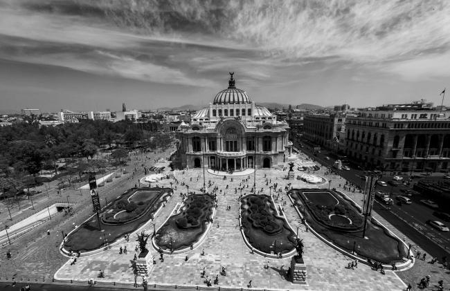 Palacio de Bellas Artes escenario ideal para pasear