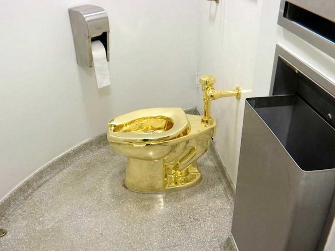 Roban el excusado de oro