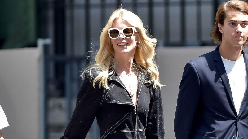 Claudia Schiffer cumple 50 años y se ve como nunca