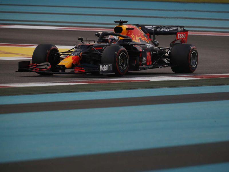 Verstappen consigue la 'pole'; 'Checo' saldrá último